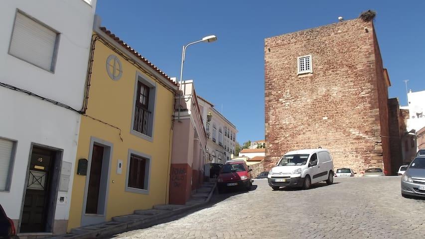 Casa á Porta do Torreão