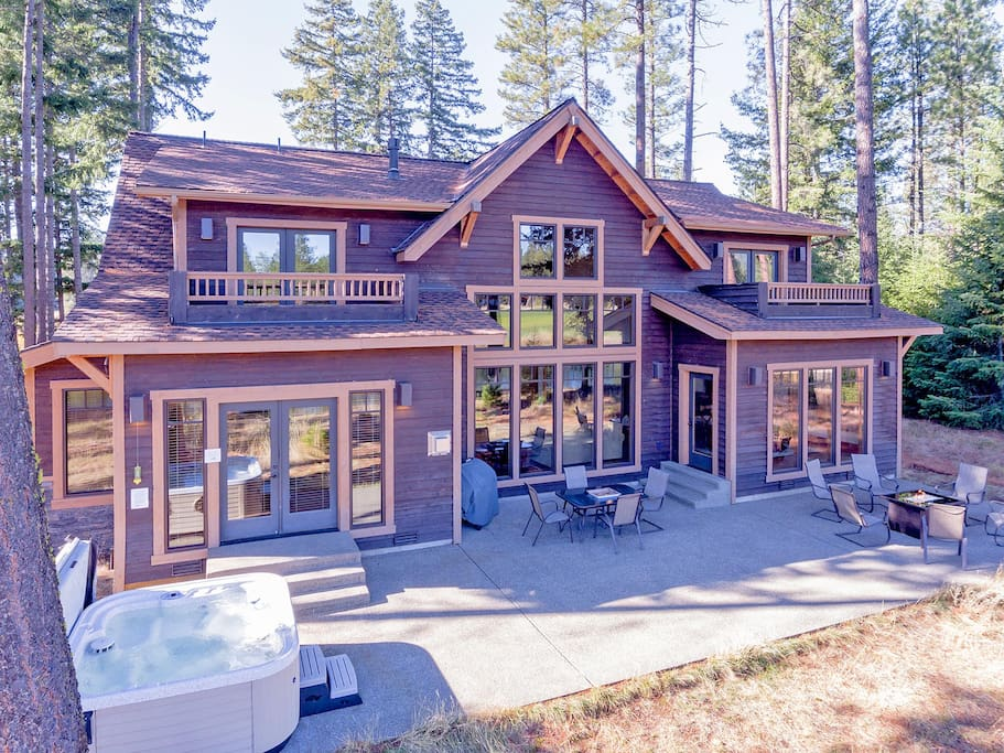 Fantastic location with great outdoor living spaces!