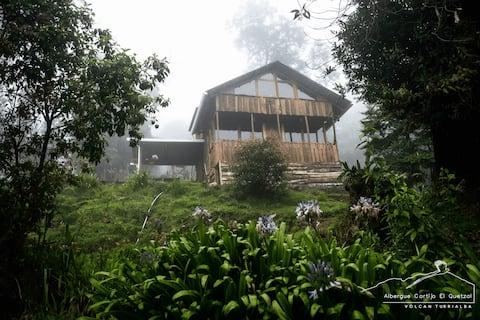 Cabaña Colibrí en las faldas del Volcán Turrialba