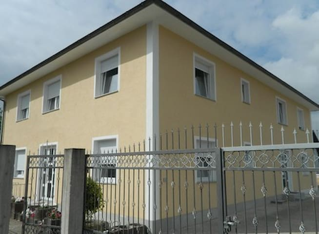 Privates Apartment Fam. Borzellino - Pfungstadt - Daire