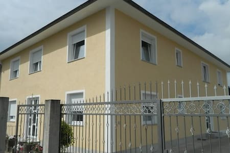 Privates Apartment Fam. Borzellino - Pfungstadt - Appartement