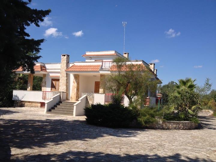 DIMORE TARANTINI Villa con piscina