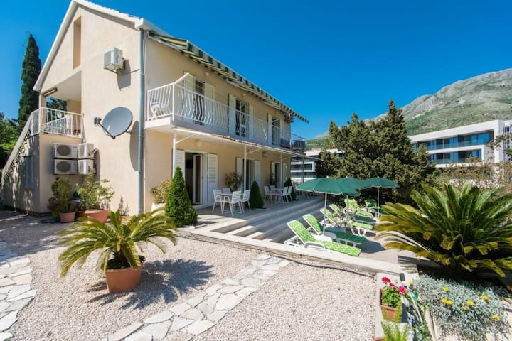 Apartments & Rooms Jokovic-Double Room with Terrace and Partial Sea View