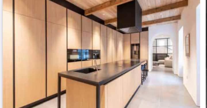 Park Lane,Mayfair. New Ultra Modern Spacious House