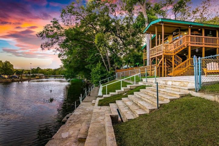 Riverfront Getaway on Guadalupe River