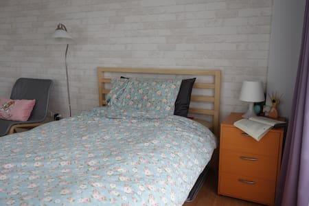 春日微風單人 可加一床 Spring Breeze room - Nantun District