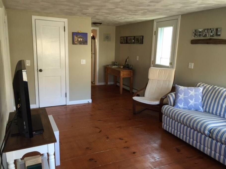 Living room / TV / Internet