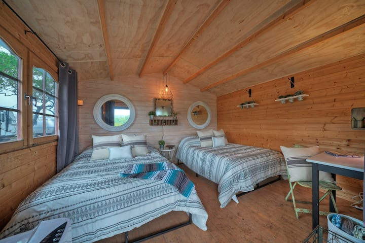 LOVE CABIN @ 13 Acres - Glamp/Hike/Relax
