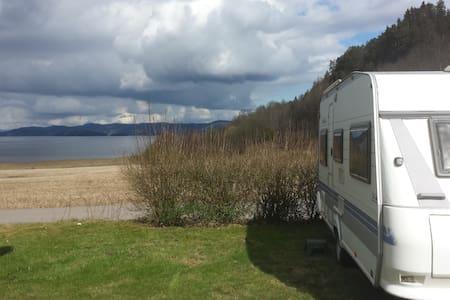 Hobby  495 De Luxe - Camper - Holmestrand