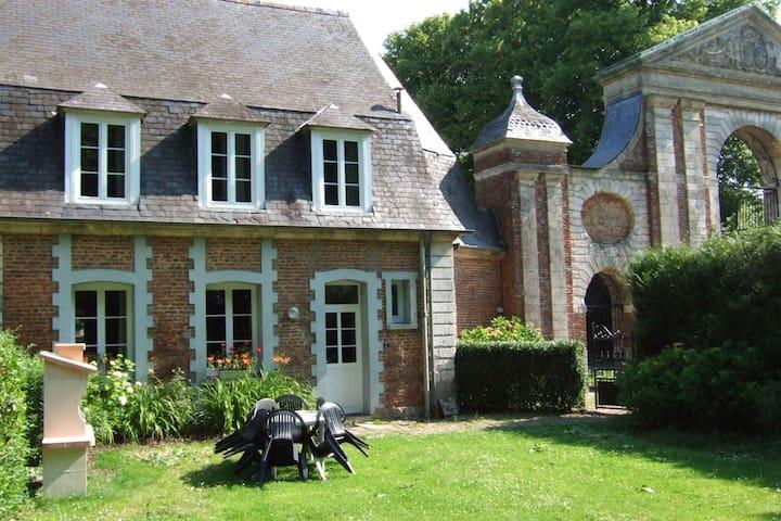 Maison de vacances cosy à Gouy-Saint-André avec jardin