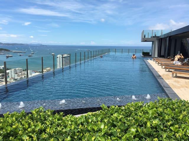 B7- Pool view/Perfect Room