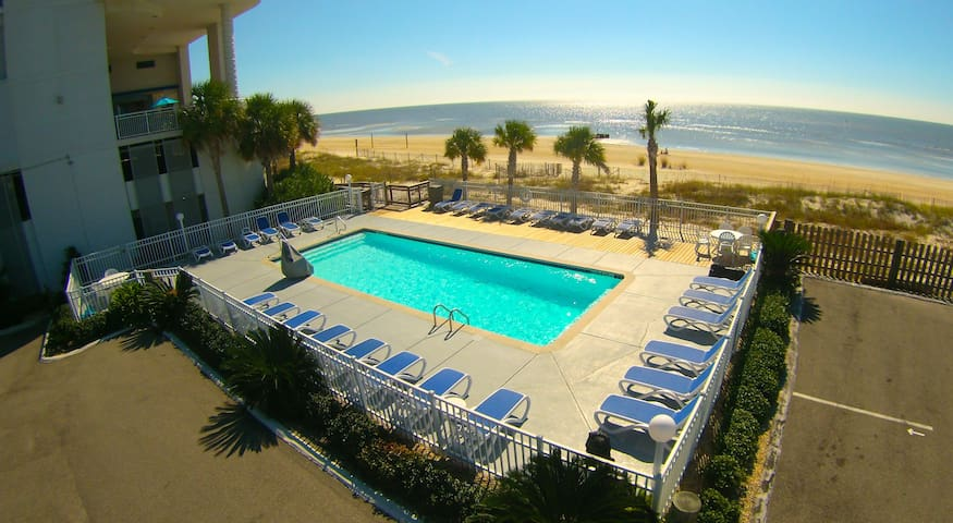 On The Beach!  Private Balcony! - Biloxi - Condominium