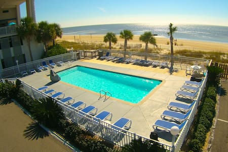 On The Beach!  Private Balcony! - Biloxi