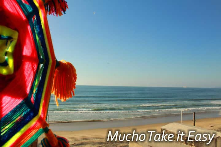Mucho Take It Easy - Queen bed with OCEANVIEW