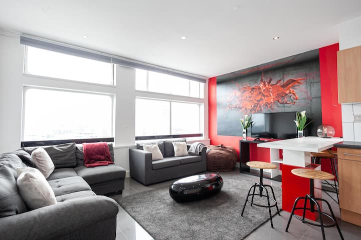 19th Floor Stylish 2 Bedroom Apartment By Pillo Rooms
