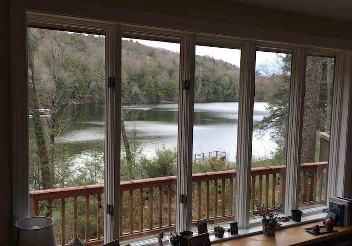 Quiet Retreat on Lake Beebe - Hubbardton - Huis
