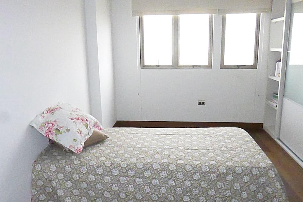 Vista del dormitorio, con vista panoramica hacia Barranco