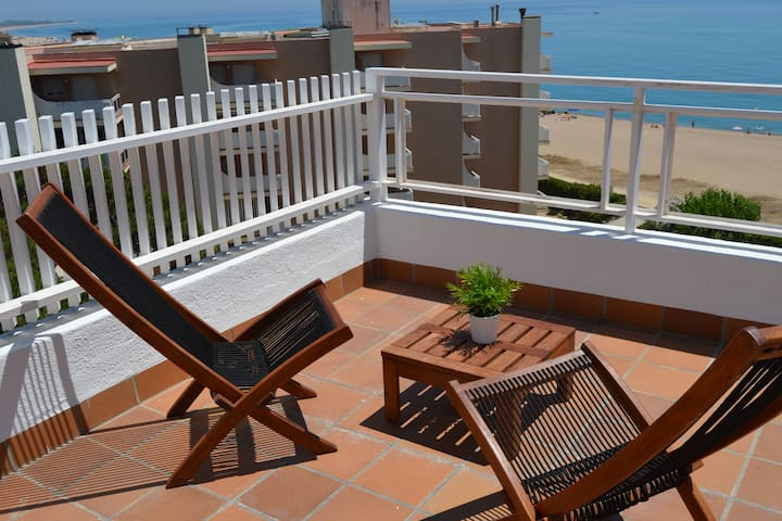 Last minute! Nice apartment by the sea!