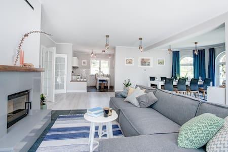 Mała Szwecja - dom wakacyjny w Tleniu
