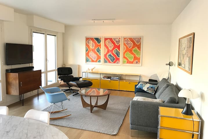 Modern and bright living room