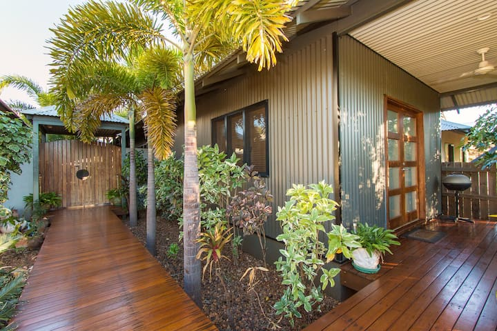 Manggala Palms Boab Room - Cable Beach