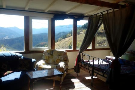 Flexible suite,beautiful view - Zornitsa - 牧人小屋