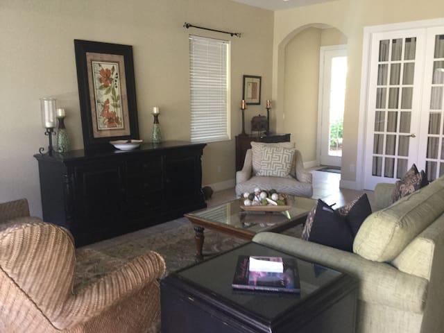 Nice Room Near Vanderbilt Beach - Napels - Huis