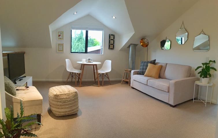 The Brass Duck – Spacious Apartment in Arrowtown