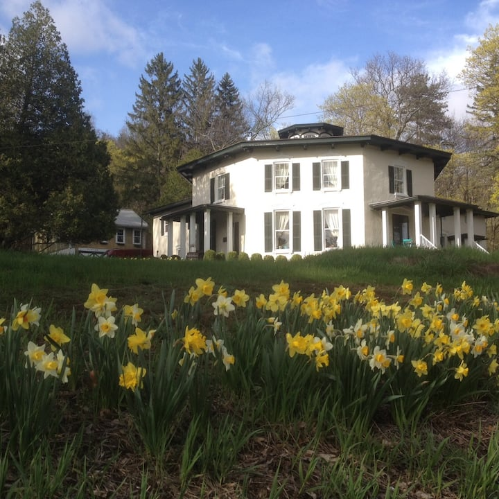 The Black Sheep Inn and Spa - Bed and Breakfast