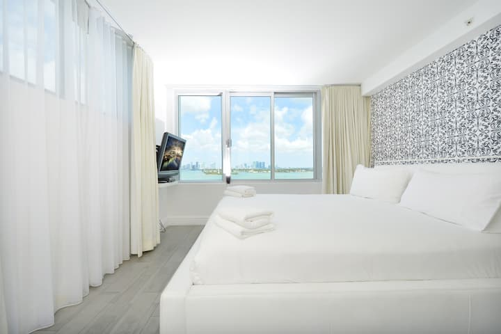 Huge Suite 3 Room, Bay View 5* Condo-Hotel #1216
