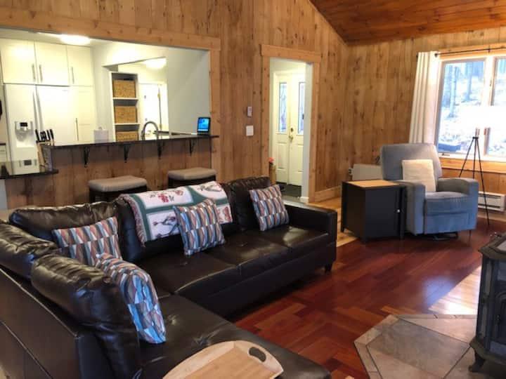 2 bedroom, 2 bathroom home in Eastman!