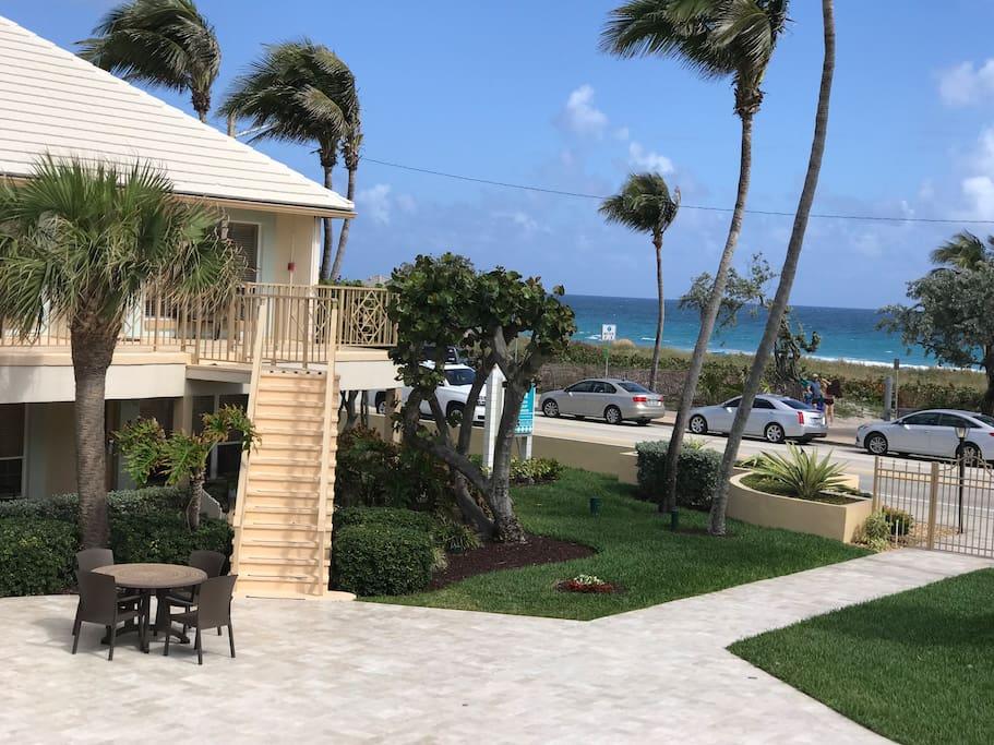 Landex Dover A1a 1 Bedroom 1 Bath Serviced Apartments For Rent In Delray Beach Florida