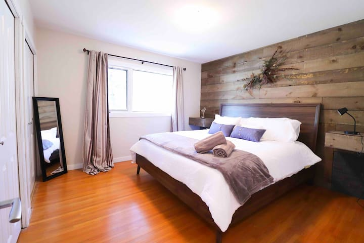 ➢ MODERN Home by Wascana + King Bed✔️Wifi✔️Smart TV✔️