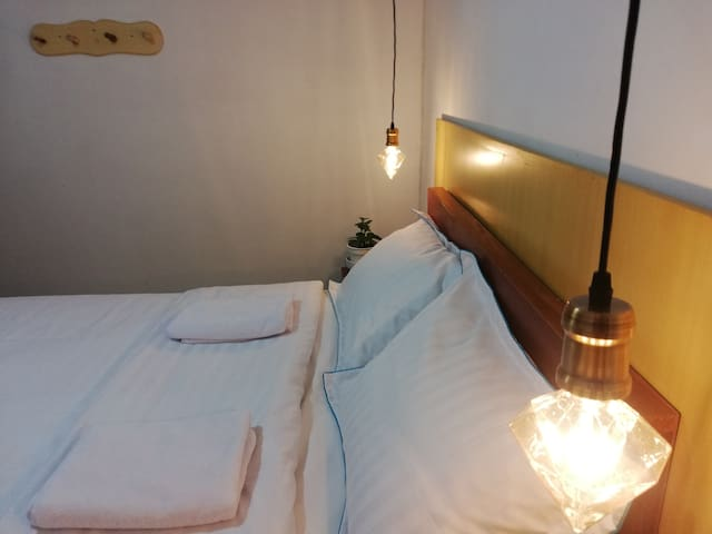 Private Room&Bathroom with services of cozy Hostel
