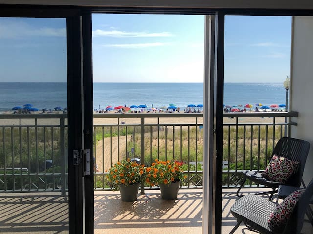 Ocean Front Studio Condo- Rehoboth Beach Boardwalk