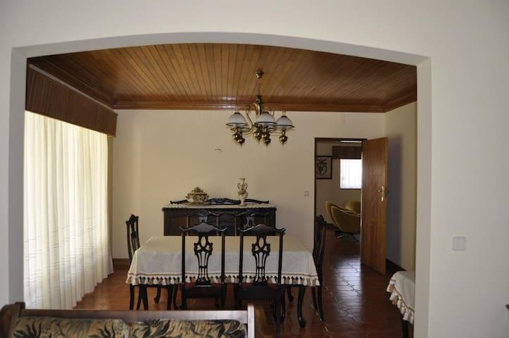 Moradia Carriço, T4 - Ourém - House