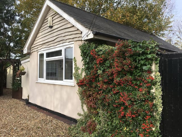 Self Contained Lodge Nr Coventry/Rugby/Leamington