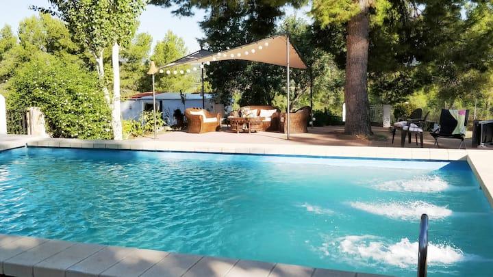 Tranquila casita,  piscina de uso privado.