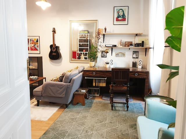 Calm & Relaxed City Apartment