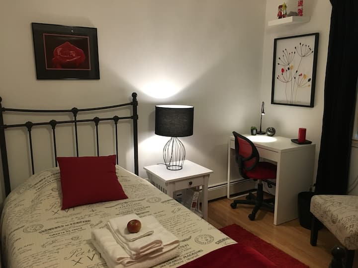Affordable Cozy Room Red Room