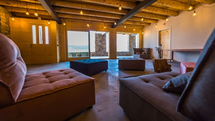 Ecoloft Rural jacuzzi-sauna. TOP Parejas. Pirineo.