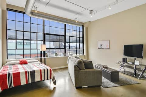 Marvelous Buffalo Suite-Staycation/work-from-home-203