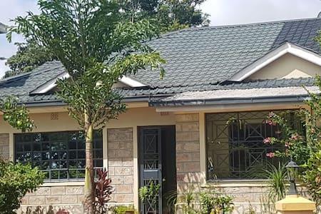 Jeddy's Abode - wikililye Kithambang'ii