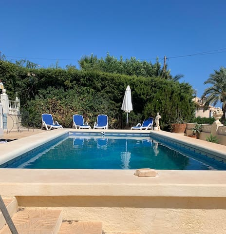 1xlarge double room w private bathroom,large villa