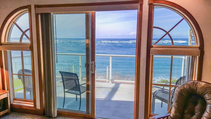 Gorgeous Bay and Ocean Views! Walk to the Beach!