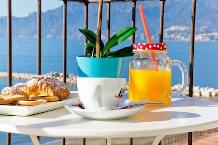 DELPHINIA VISTA MARE - Salerno - Bed & Breakfast