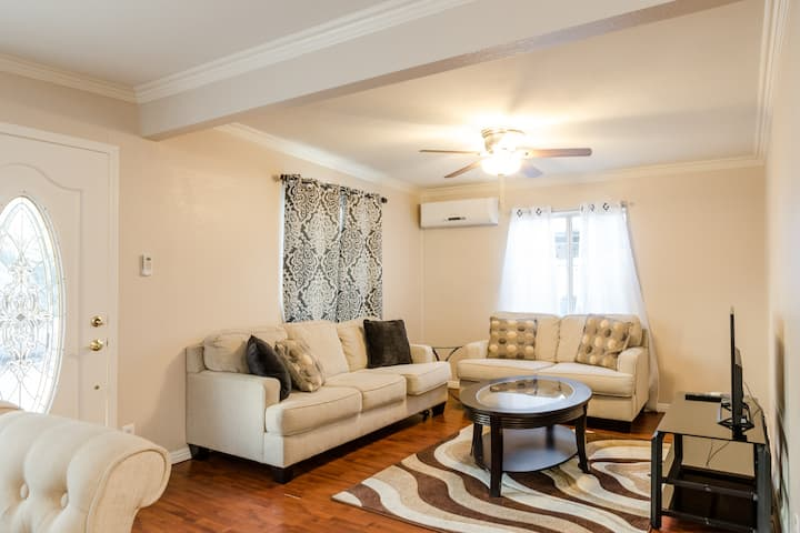 Spacious 3 Bedroom Home Perfect for Entire Family*
