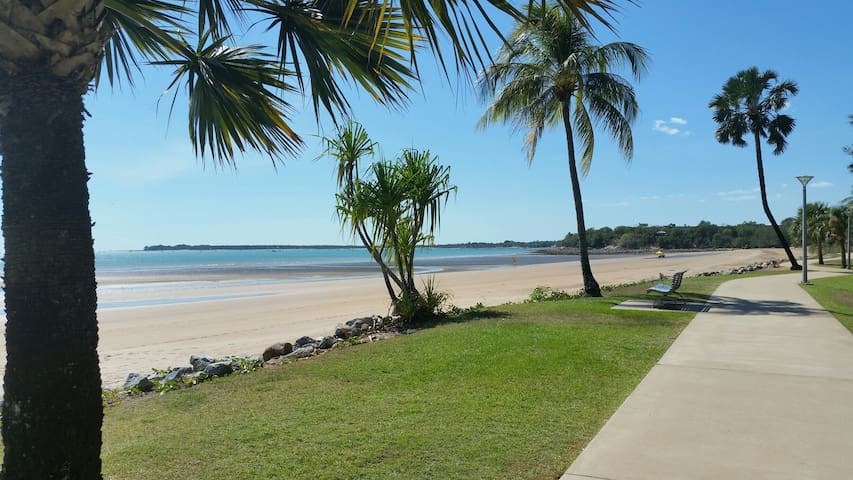 BARGAIN entire private cool studio unit CULLEN BAY
