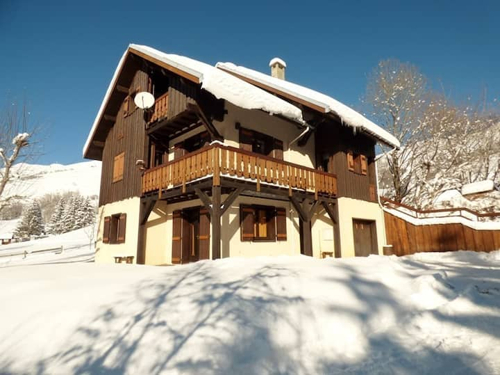 Apartment of 125 m² in chalet - Foot of the slopes