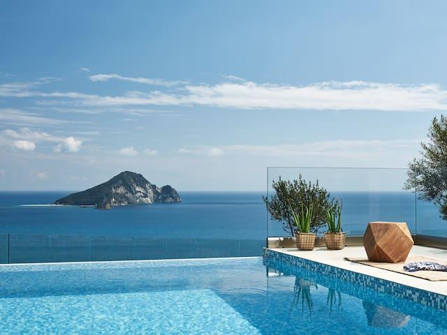 Avra Luxury Villa & Spa